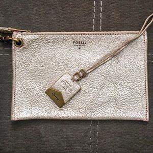 NWOT Fossil wristlet & bag charm